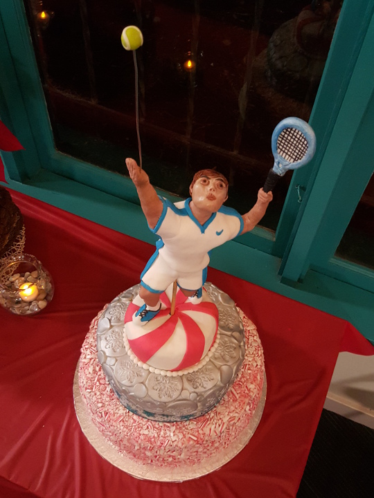 A Christmas celebration at Balboa Tennis Club